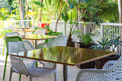 How to Choose the Perfect Café Table for Your Patio – Step by Step