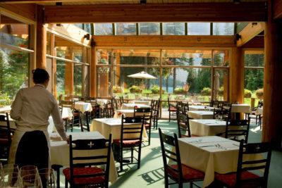 Café Tables for Restaurants Layout Strategies